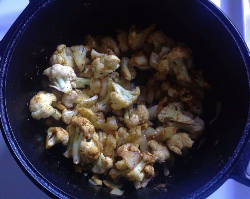 cauliflower lentil curry