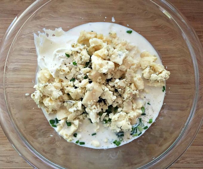add blue cheese to dressing