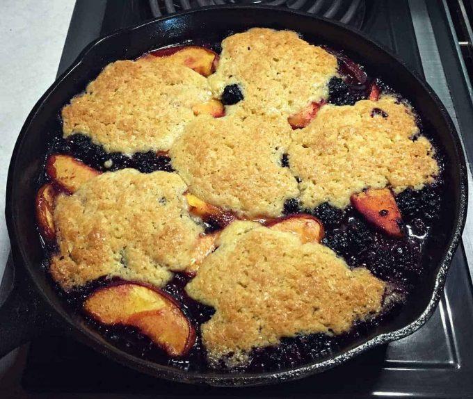peach blackberry cobbler