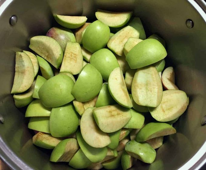 quartered apples