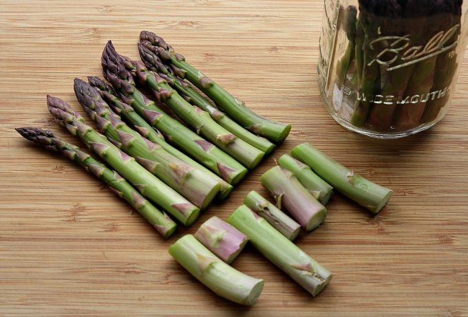 Fermented Asparagus With Garlic Recipe