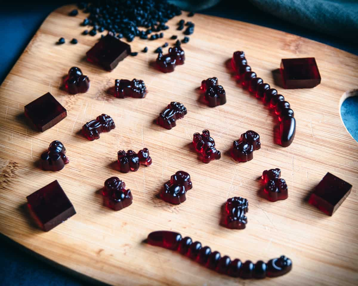 different shapes of elderberry gummies